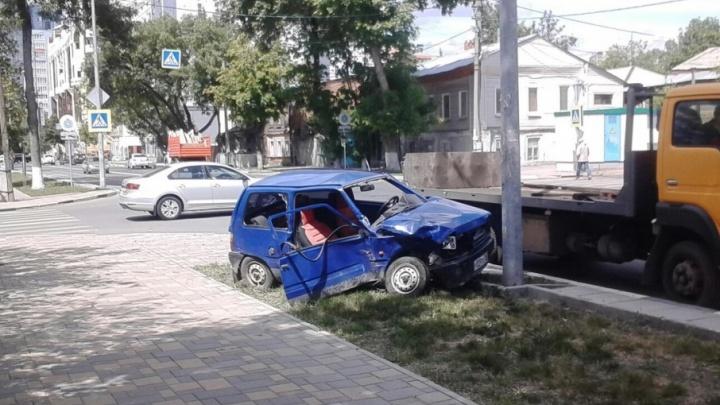 На Вилоновской дорогу не поделили «Мазда» и «Ока»