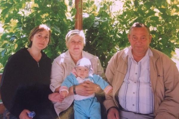 Шиловы с внуком и дочерью Еленой Митиной