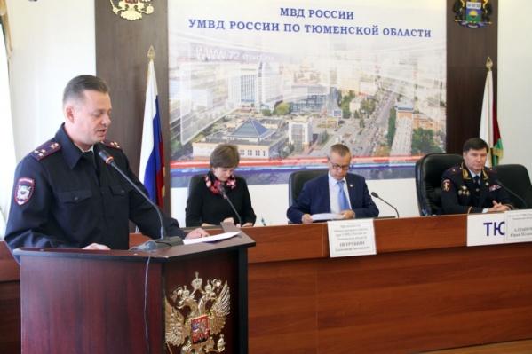 Виталий Шундрик,возглавлявший управление организации охраны общественного порядка, признал вину в полном объеме
