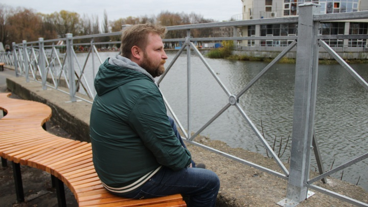 Лавки с видом на забор: как в Ярославле благоустроили парк за 30 миллионов рублей