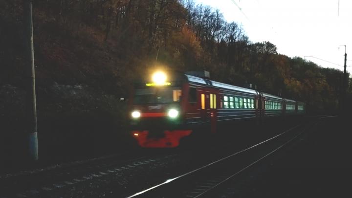 В Башкирии грузовой поезд насмерть сбил подростка, который перебегал железнодорожные пути