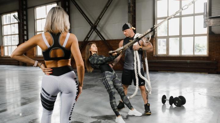 Меняют людей за 4 недели: фитнес-клуб, в который влюбляются после первой бесплатной тренировки