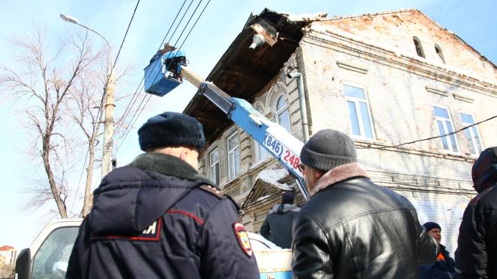«Будем расселять»: в жилом доме на Водников рухнула крыша