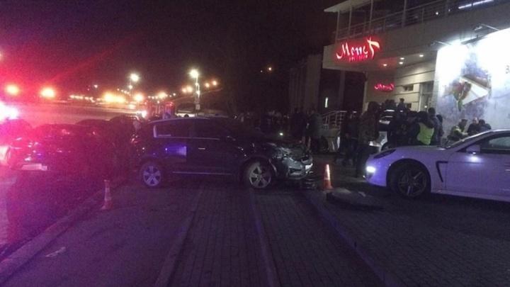 Прокуратура взялась за уголовное дело нижегородки, сбившей пешехода и въехавшей в Porsche Panamera