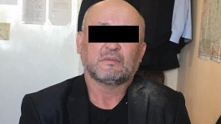 Следователи раскрыли убийство мужчины, труп которого с раной в шее нашли на бульваре Культуры