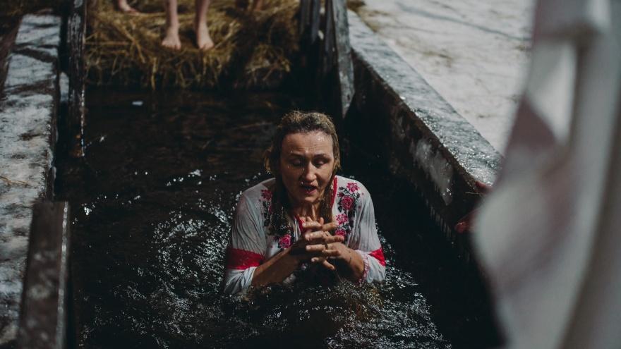 Зря вы это делаете: 6 ошибок, которые совершают в Крещение даже верующие