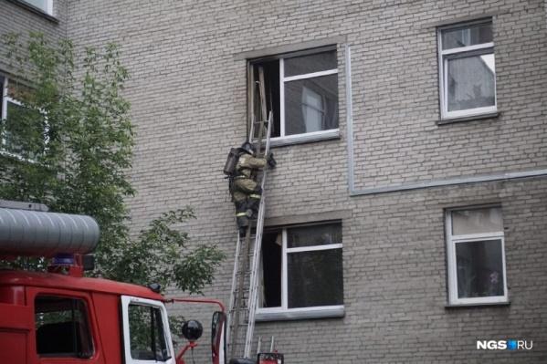 Здания медицинских учреждений начали особенно тщательно проверять после пожара в крупнейшей больнице Новосибирской области 30 августа