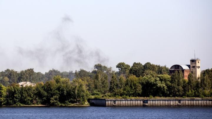 Ярославцев напугал столб чёрного дыма в Заволжском районе: что горит