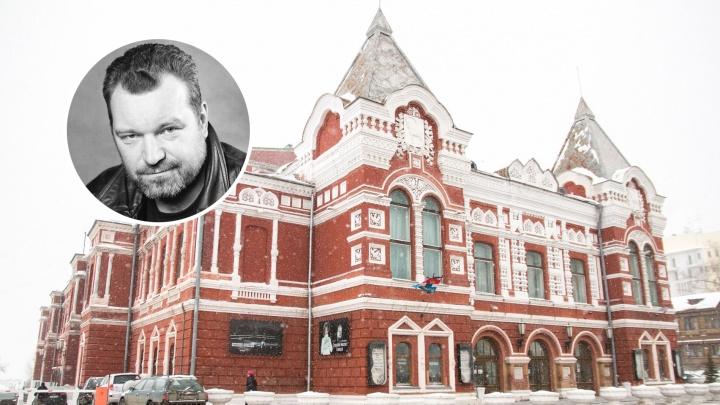«Потолок уже рушится»: главный режиссер Драмтеатра попросил построить новое здание для артистов