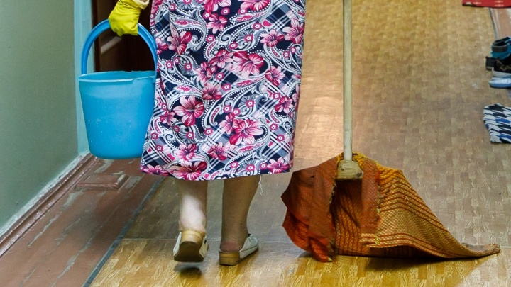Волгоградка поскользнулась на полу в школе и осталась инвалидом