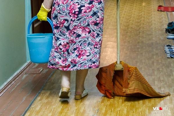 Поскользнувшись на мокром полу, женщина стала инвалидом