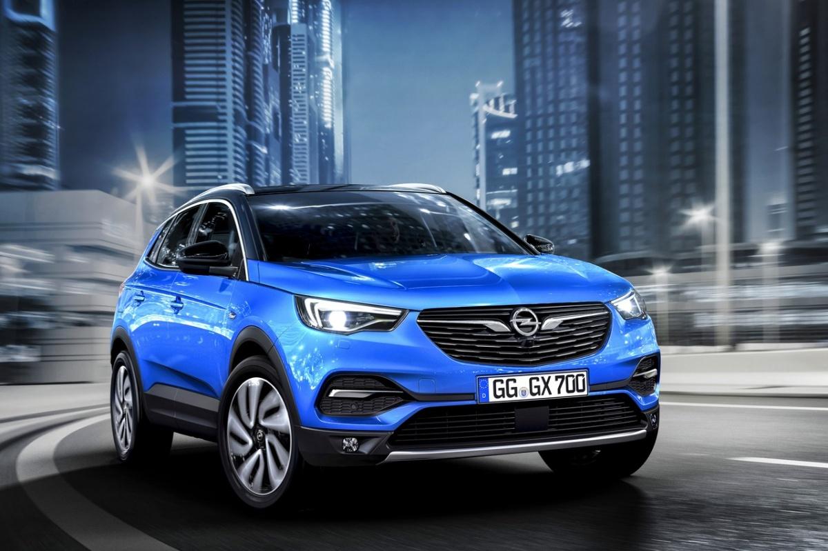 Opel Grandland X является близким родственником Peugeot 3008, хотя выглядит совсем по-другому