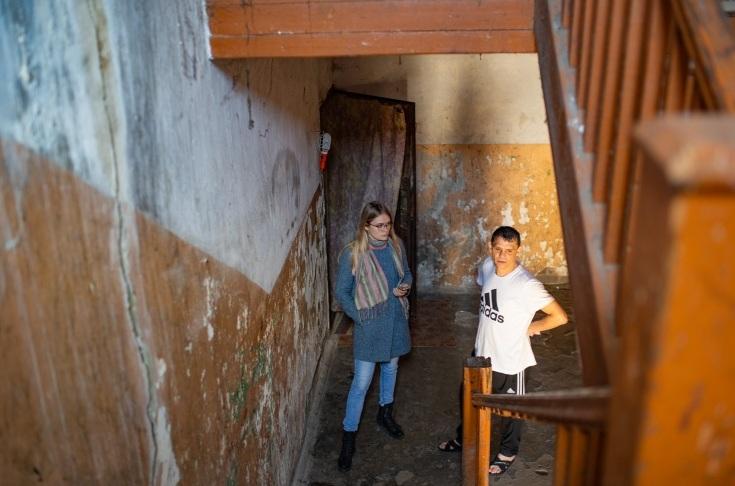 «Здесь хуже, чем в тюрьме»: как в Ярославле люди выживают в доме без тепла, газа и воды