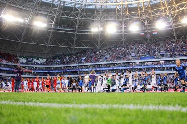 Рекламу букмекеров клуб размещал и на стадионе
