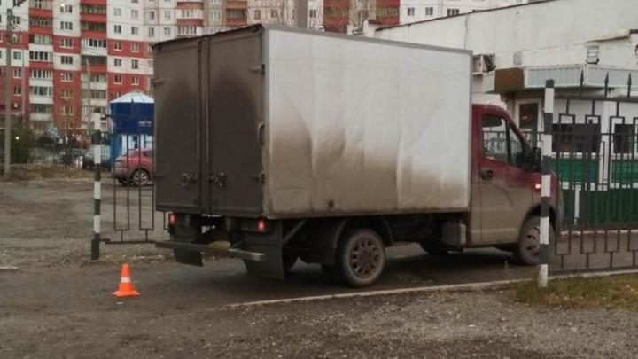 В Перми фургон сбил 81-летнюю пенсионерку. Женщину увезли в больницу
