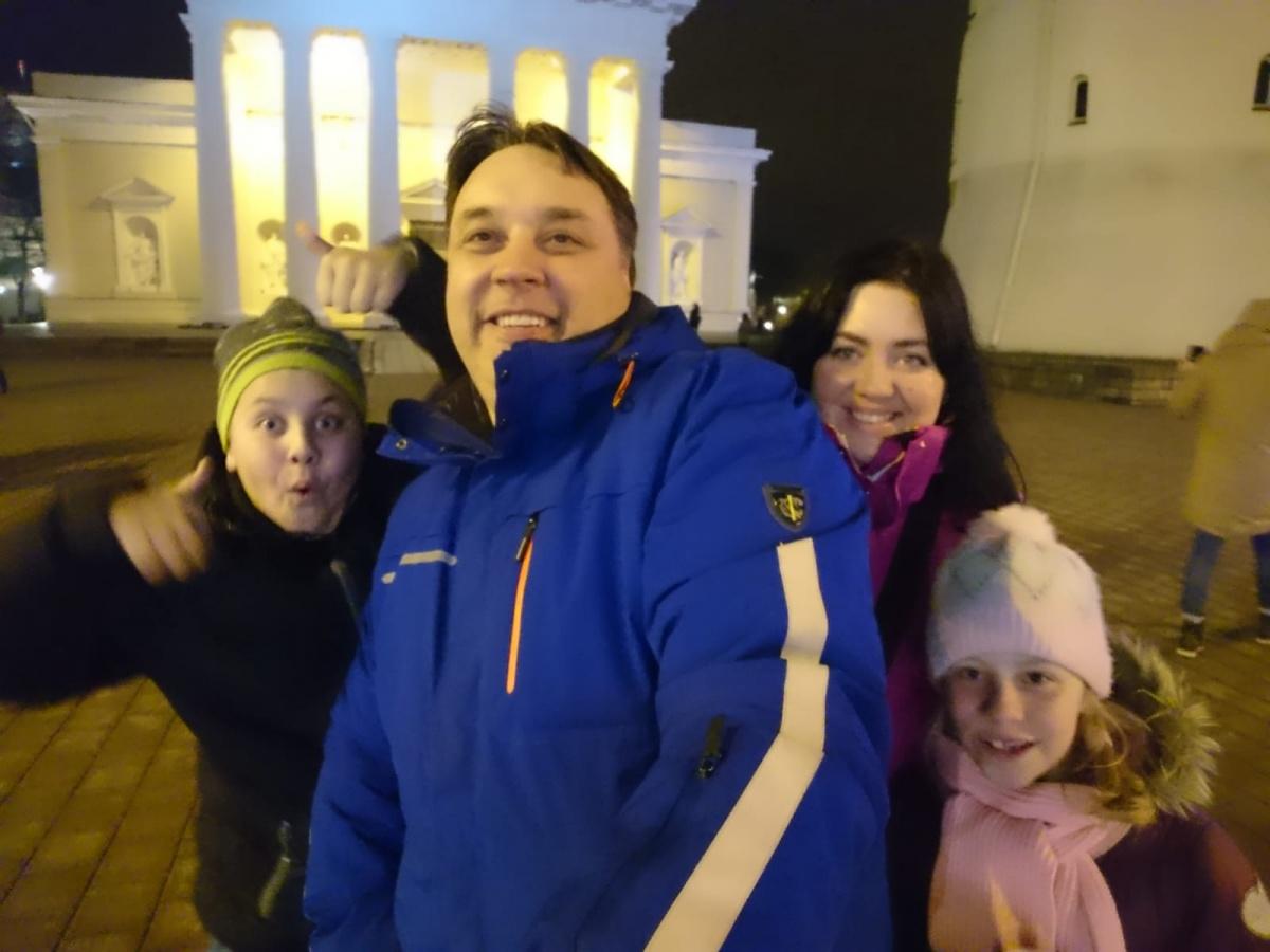 Сыну сейчас 12 лет, дочке — 9, они оба родились в Литве