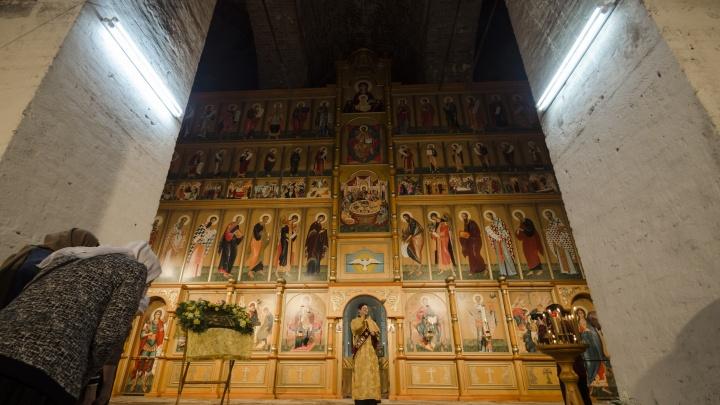 В Никольском соборе на Севмаше освятили новый иконостас