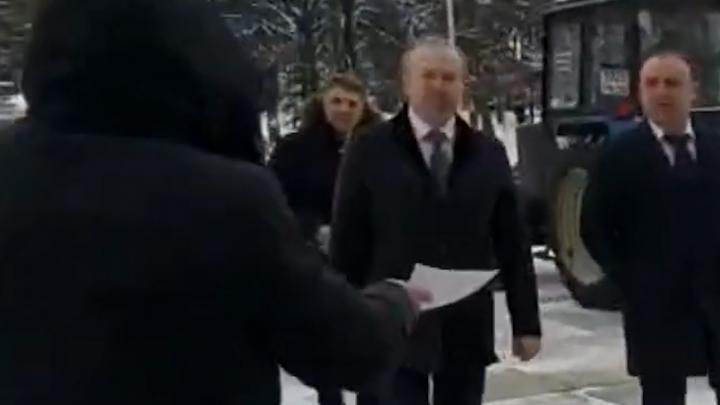 В Башкирии депутат проигнорировал обращение гражданина, а тот снял это на видео