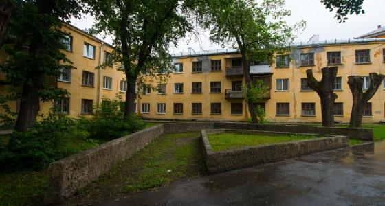 """Его так и называли - """"дом-пила"""": история уникального здания в стиле конструктивизма на Уралмаше"""