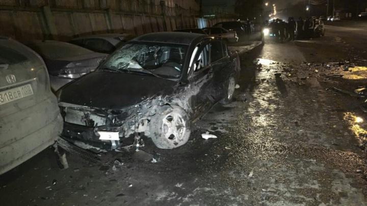 В Уфе в массовом ДТП у машины от удара вылетел двигатель