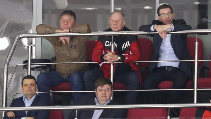 «Есть и абонементы»: челябинских чиновников и депутатов лишили бесплатной ВИП-ложи в «Тракторе»