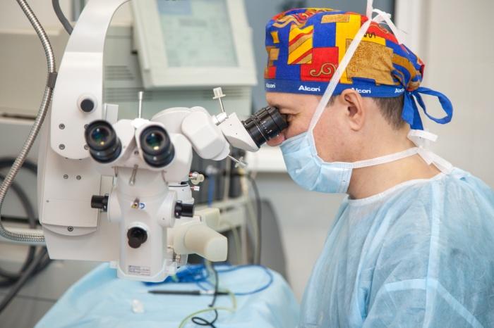 Полную диагностику зрения бесконтактным способом можно пройти в клинике всего за час