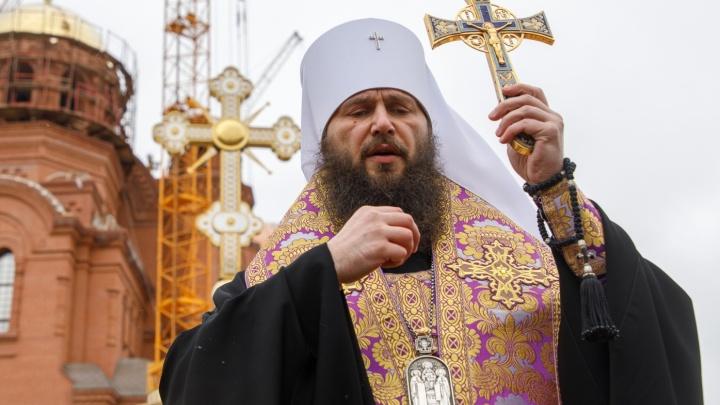 «Выставляем временные леса»: главный купол на Александро-Невском соборе соберут из «лепестков»