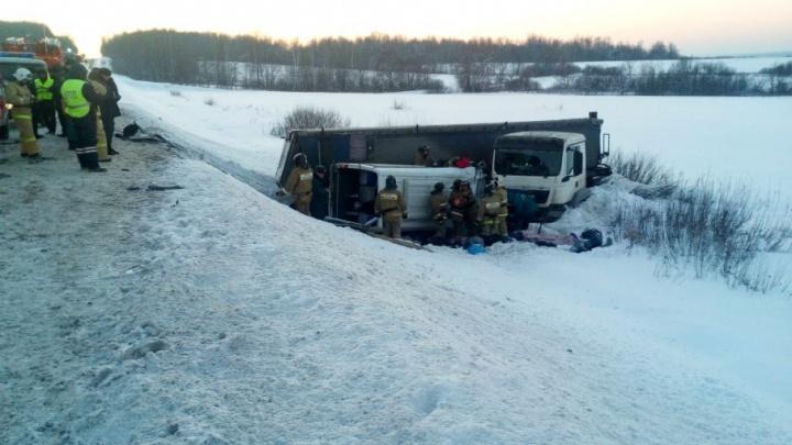 «Фура пошла юзом»: стала известна причина смертельного ДТП с автобусом Уфа — Усть-Катав
