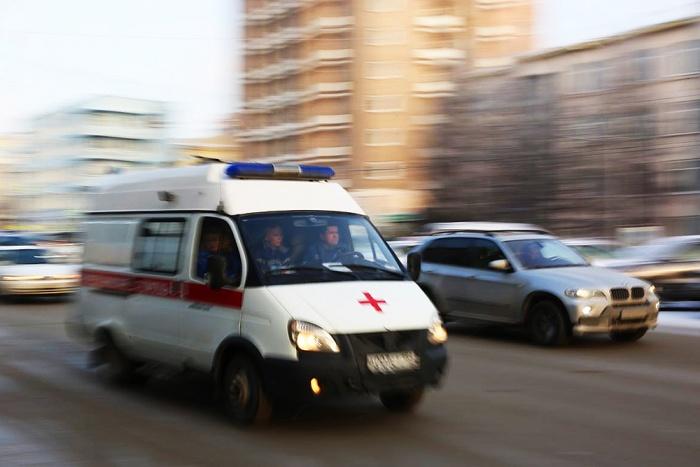 Скорая помощь попала в аварию с автомобилем премиум-класса