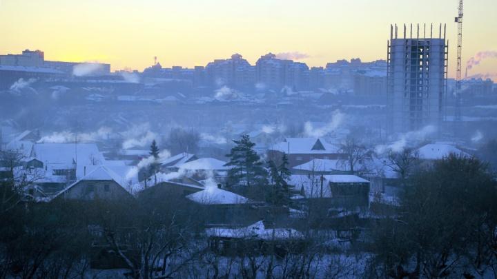 Жители посёлка под Омском зафиксировали выброс газа