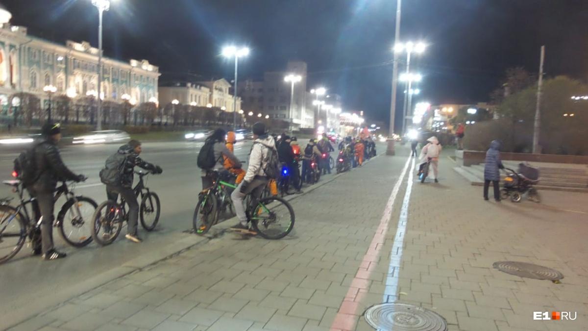 Ребята прокатились по центру Екатеринбурга