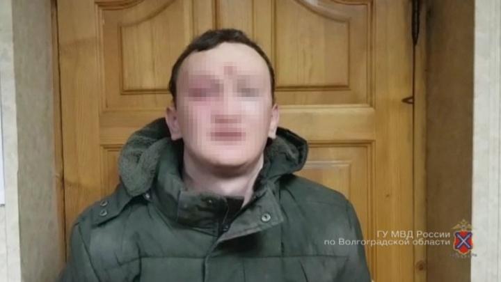 «Украл 800 рублей и скрылся»: пойманный грабитель изнасиловал беременную волгоградку в заброшке