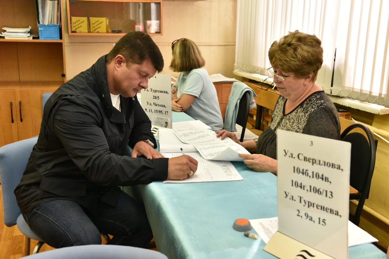 Владимир Слепцов не пропускает выборы без уважительных причин