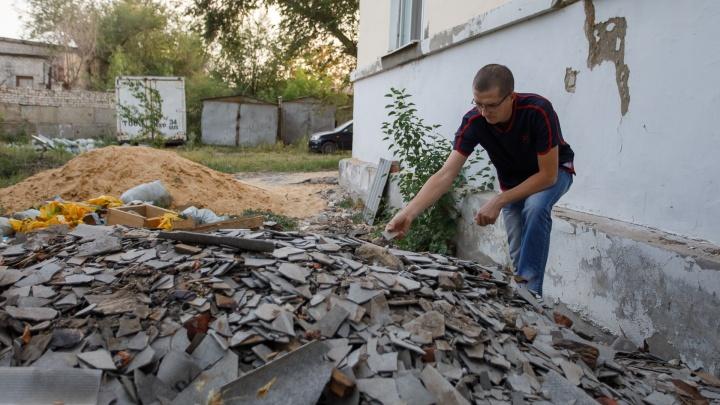 «Не успеют — расторгнем контракт»: фонд капремонта вмешался в скандал с домом в центре Волгограда