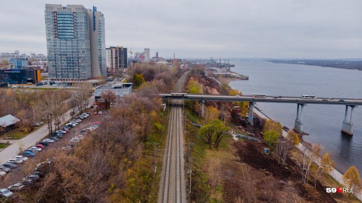 Пермяки предложили вместо закрытия ж.-д. путей добавить две остановки электрички у моста и у порта