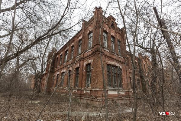 Комплекс зданий больницы вновь не нашел своего покупателя