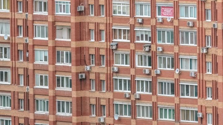Тело жителя Тольятти нашли во дворе рядом с многоэтажкой