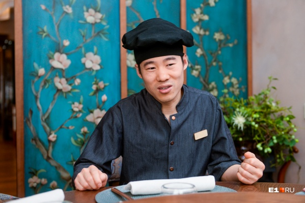 Чжоу прилетел в Россию в 2004 году и успел поработать в нескольких городах