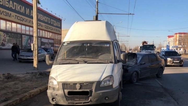«Я ползком вылезала из маршрутки»: виновник ДТП с пятью пострадавшими отделался штрафом в Волгограде