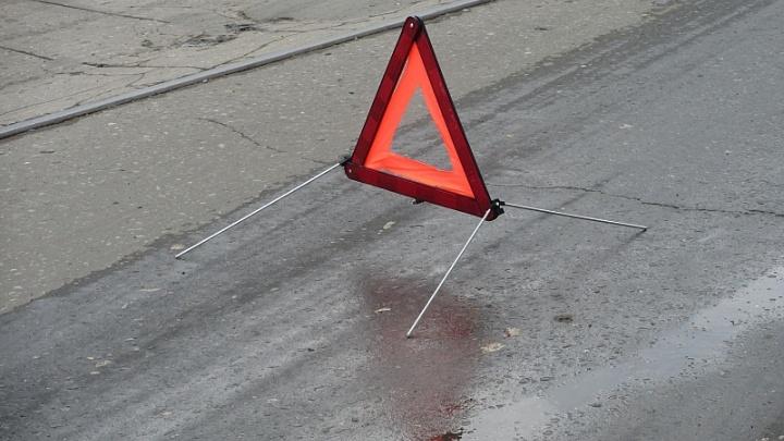 Под Челябинском двое подростков попали в реанимацию, врезавшись на скутере в Mercedes