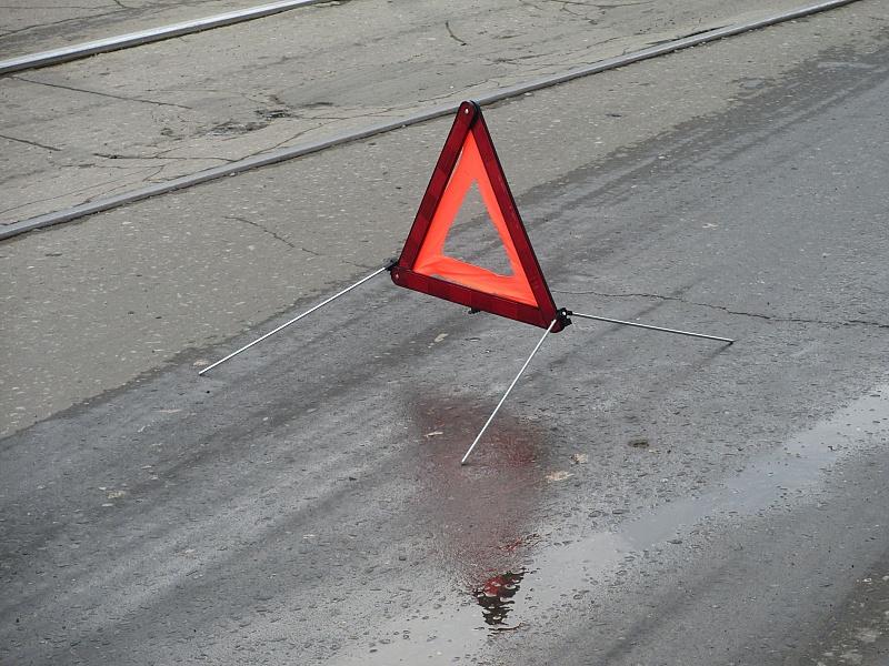Скутер выскочил на перекрёсток на красный