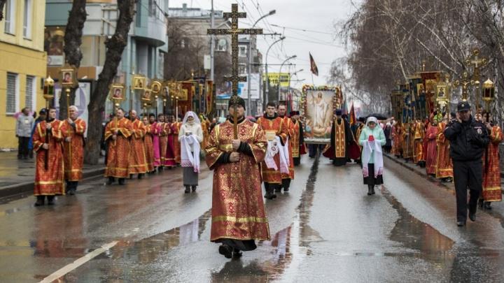 Центр Новосибирска перекроют для крестного хода