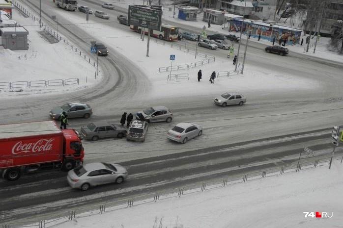 Оформить европротокол можно, если в аварии пострадали только два автомобиля