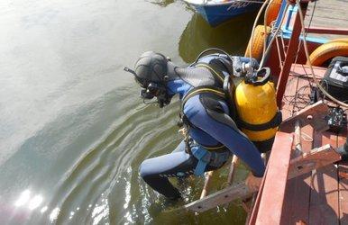 Кузбасские водолазы научились разговаривать между собой под водой (фото)
