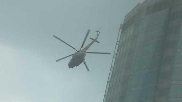 Сирены на весь город: в Екатеринбурге эвакуируют бизнес-центр с помощью вертолета