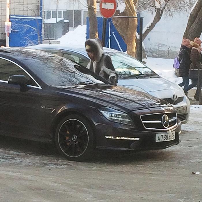«Я паркуюсь как чудак»: Mercedes ААА против женщин