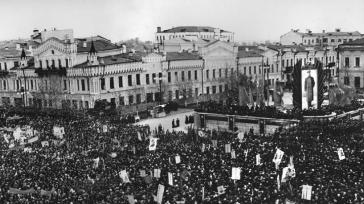 Спасали заводы, запускали производства, принимали тяжёлых раненых: как Свердловск жил в годы войны