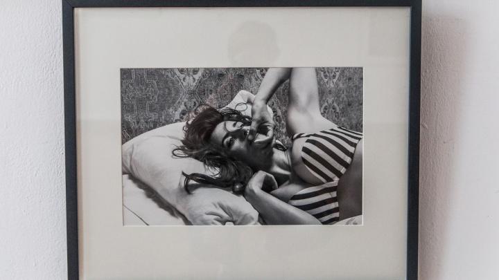 В художественном музее развешали фото обнажённых звёзд Голливуда