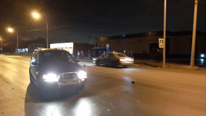 Пешеход попал под колёса Mitsubishi возле остановки на Первомайке