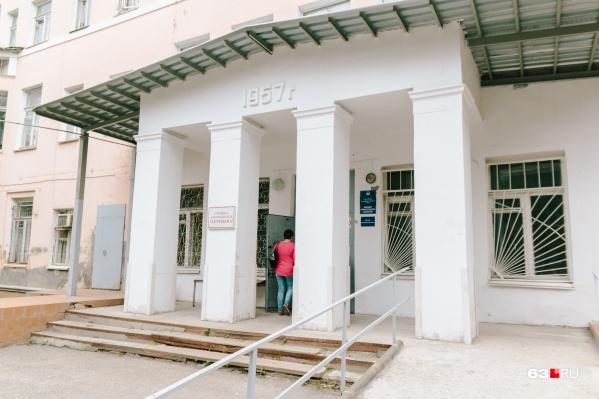 Крупнейшая больница города оказалась в центре судебного разбирательства
